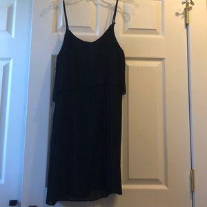 Adorable little black dress!